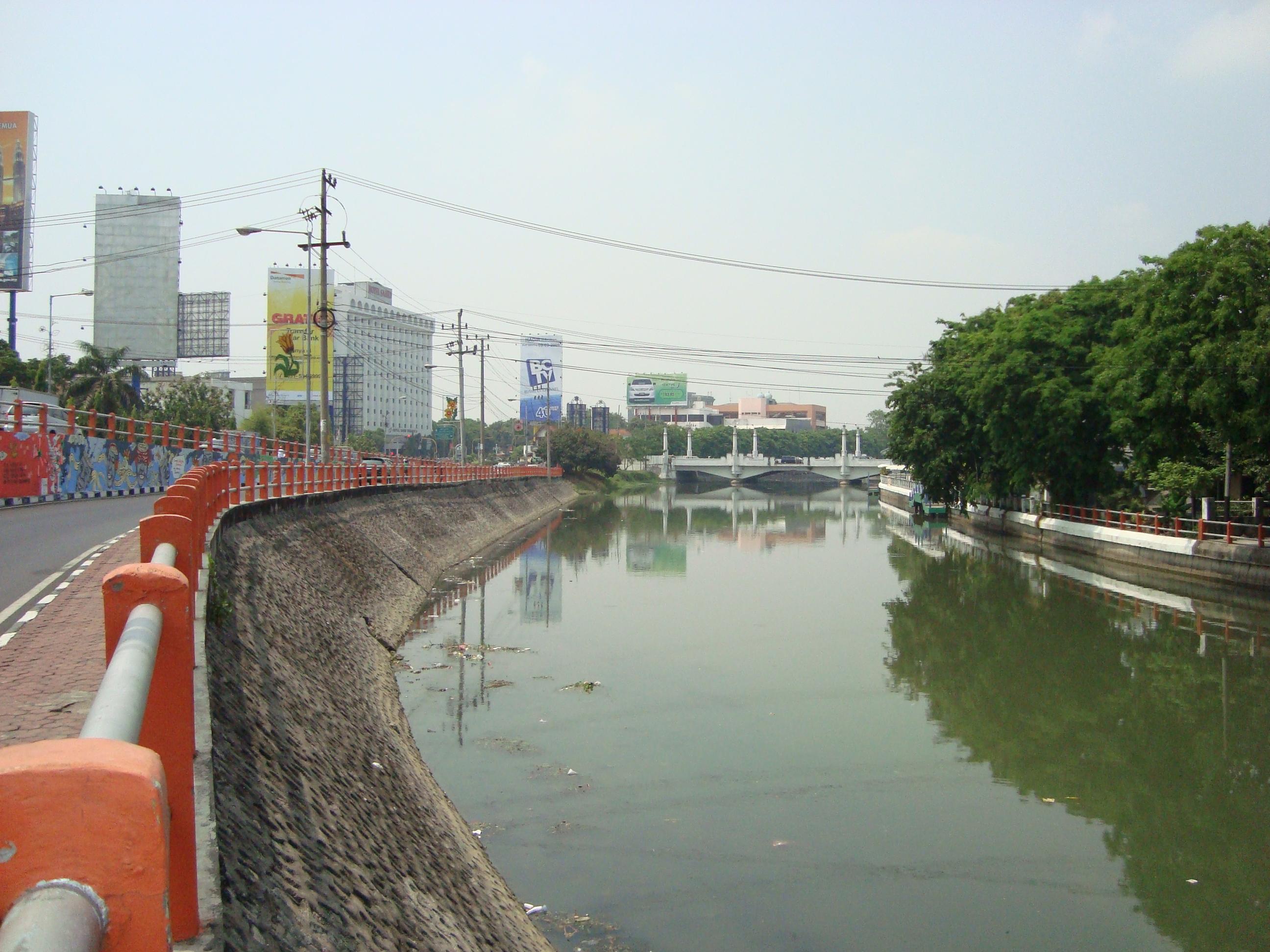 Sungai kalimas di ketabang sudah bagus. seharusnya di wilayah