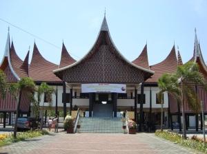 Rumah Gadang Minangkabau di Surabaya