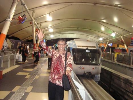 Yousri saat berada di stasiun Monorel Kuala Lumpur