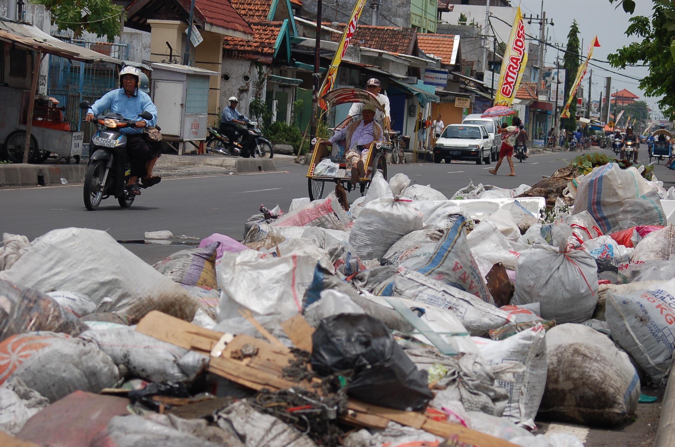 Sampah ... 3c75d9e021