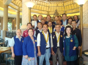 Keluarga besar Rotary Club Surabaya Darmo, di Hotel JW Marriott, Surabaya